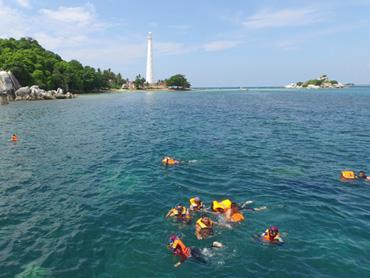 Melepaskan Penat dari Pekerjaan Dengan Paket One Day Trip Belitung